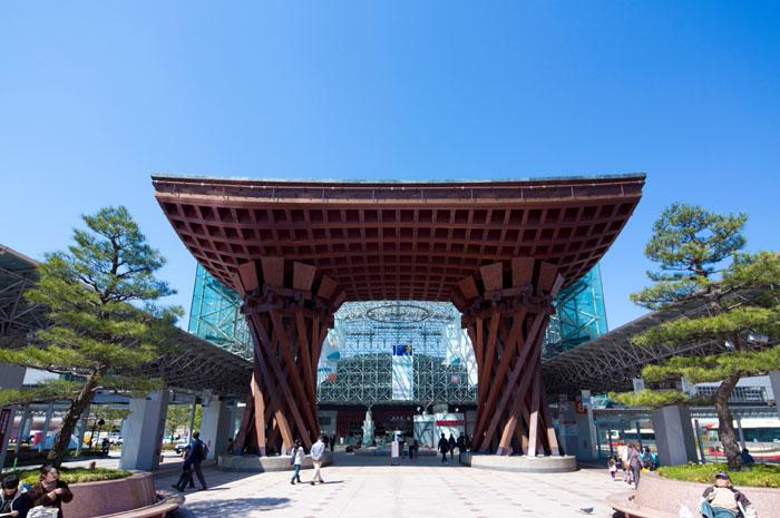 金沢駅 鼓門(写真提供:金沢市)