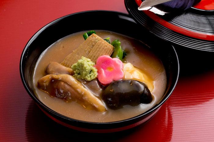 金沢の郷土料理 治部煮(写真提供:金沢市)
