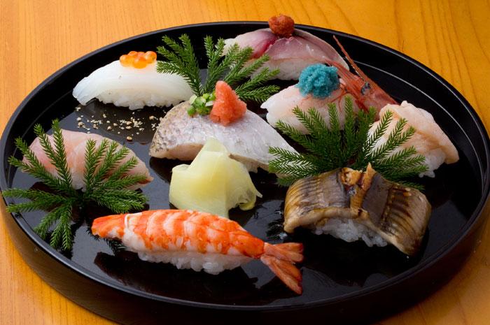 金沢の海の幸を使った寿司(写真提供:金沢市)