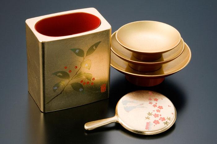 金箔工芸品(写真提供:金沢市)