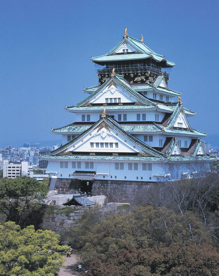 大阪城©(公財)大阪観光局