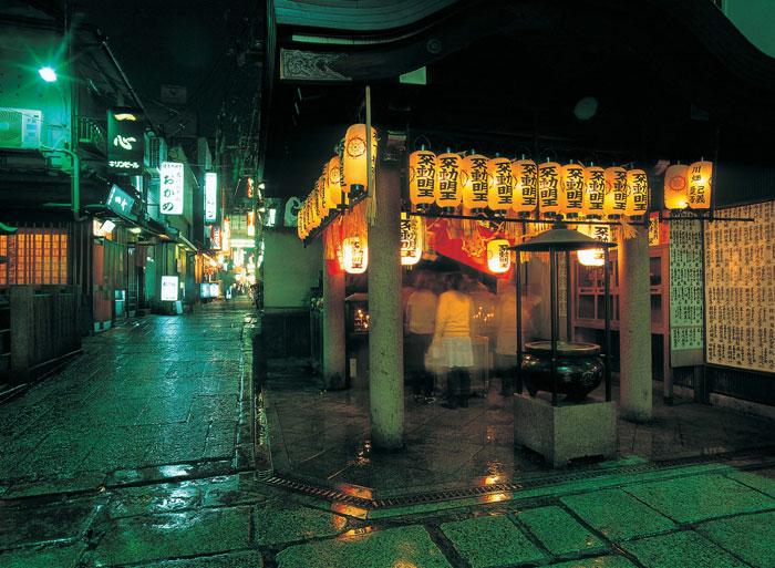 法善寺横丁©(公財)大阪観光局