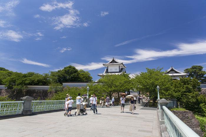 金沢城・石川門(写真提供:金沢市)