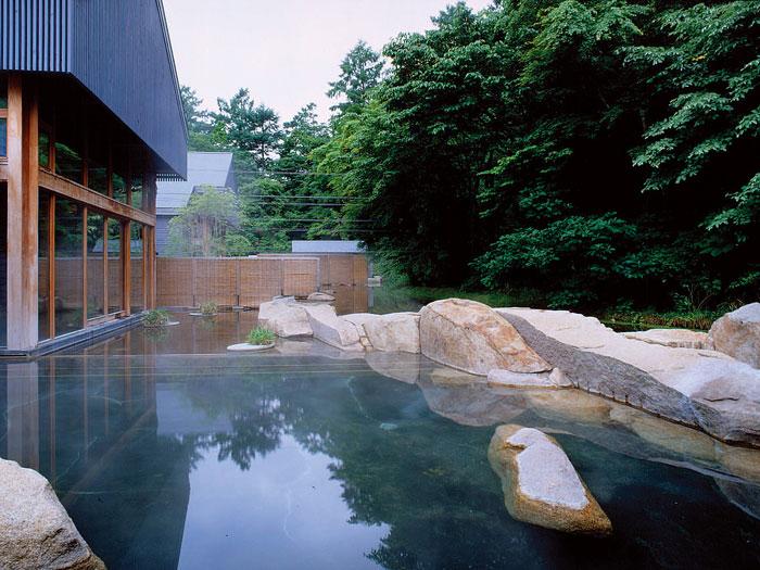 星野温泉トンボの湯 (写真提供:長野県観光機構)