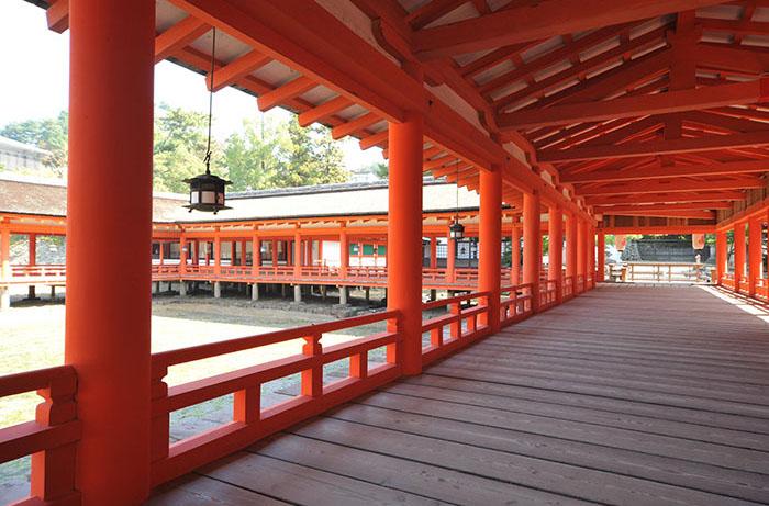 嚴島神社 回廊(写真提供:広島県)