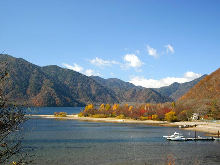 菖蒲ガ浜(写真提供:日光市観光協会)