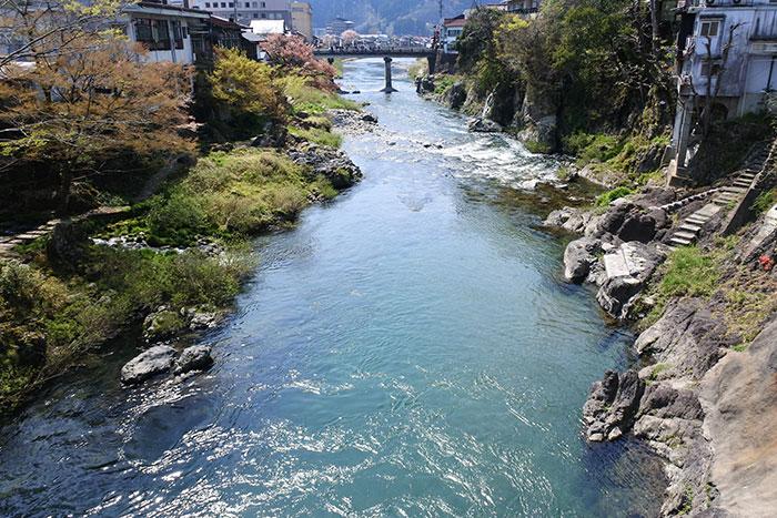 吉田川(写真提供:岐阜県観光連盟)