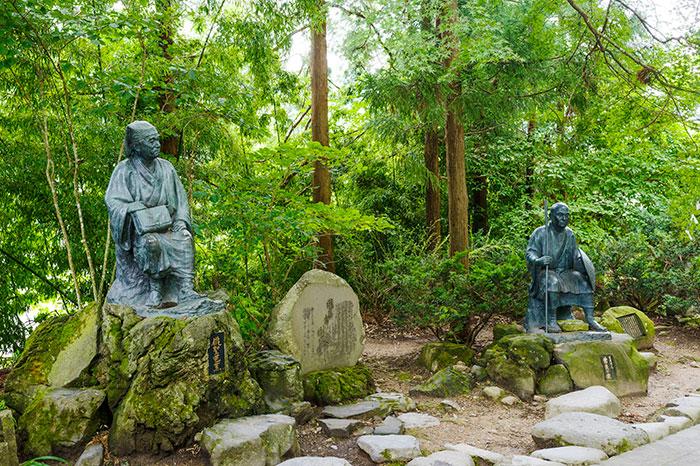 山寺 芭蕉と曾良の像(写真提供:山形県)