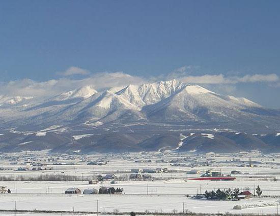 十勝岳連峰(写真提供:上川総合振興局)